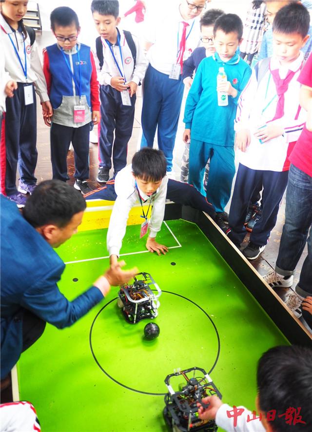 机器人创意比赛,教育机器人工程挑战赛,fll机器人挑战赛每队,现场拼装