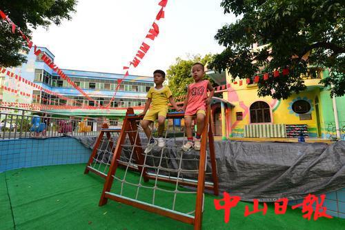 王氏父子在库充村捐建的幼儿园.